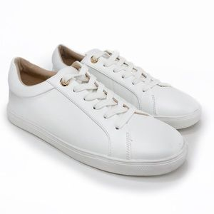 TOPSHOP White Sneakers!